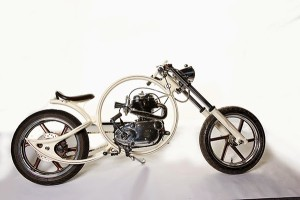 """2nd Prize: Runner up was Trevor Balbrinie with """"Clipper"""", based on a 1960 Royal Enfield engine, suspended in a one-off circular custom frame."""